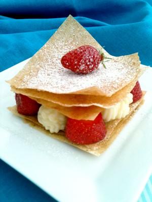 Millefeuilles à la crème de yuzu et aux fraises