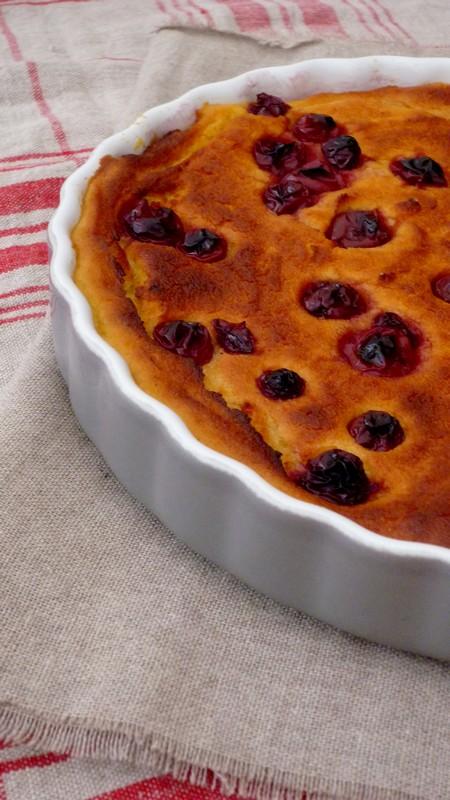 Gâteau de semoule au lait d'amandes et griottes 004