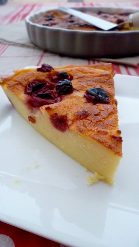 Gâteau de semoule au lait d'amandes et griottes 012