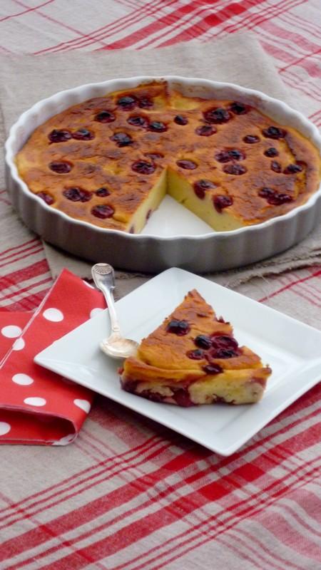 Gâteau de semoule au lait d'amandes et griottes 020