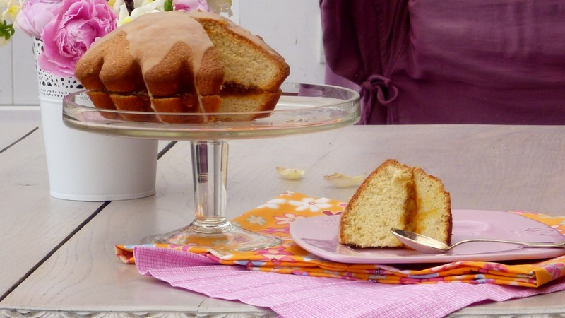 Biscuit de Savoie à la confiture de mangue et rhum brun