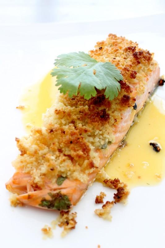 DOS DE SAUMON AU FRUIT DE LA PASSION ET CROUTE A LA FEVE TONKA - Cuisine de tous les jours