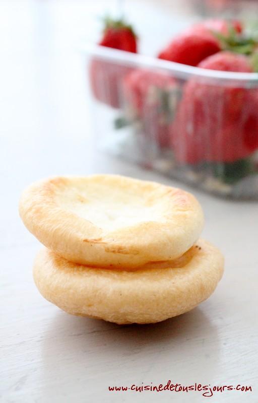 Barquettes de craquelins Margely caramélisés aux fraises et caramel au beurre salé-deux
