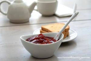 Confiture de prunes au gingembre et poivre long