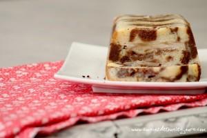 Pudding de gâteau marbré aux poires et crème anglaise à la tonka