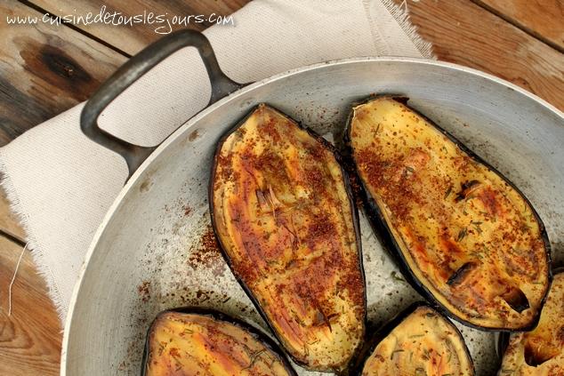 Aubergines rôties au sumac - www.cuisinedetouslesjours.com