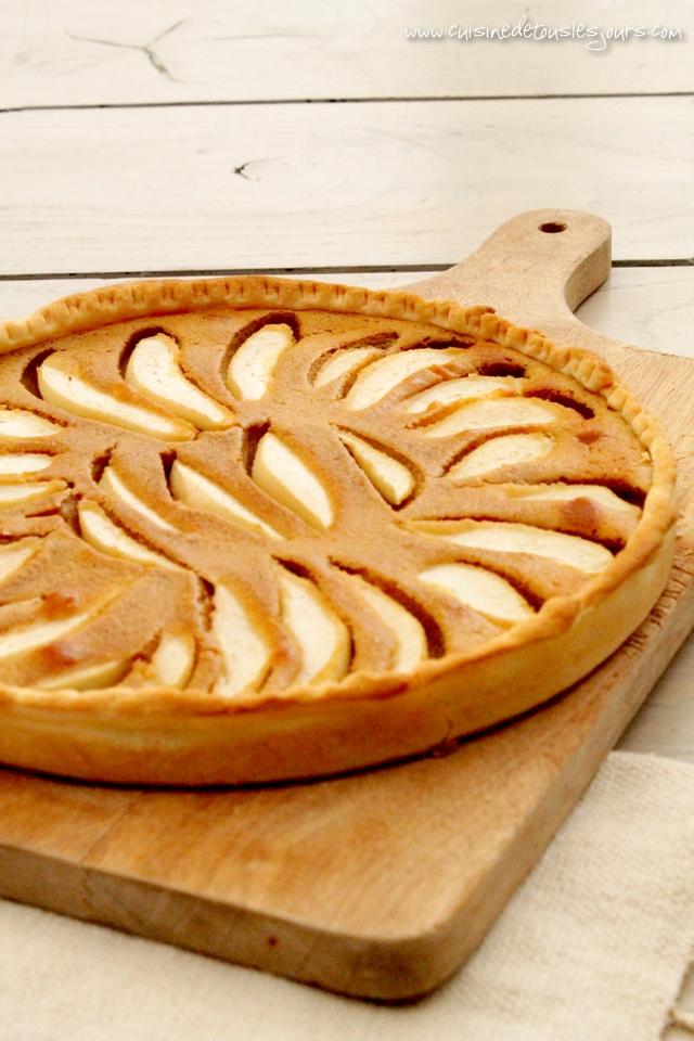 Tarte aux poires et speculoos - www.cuisinedetouslesjours.com
