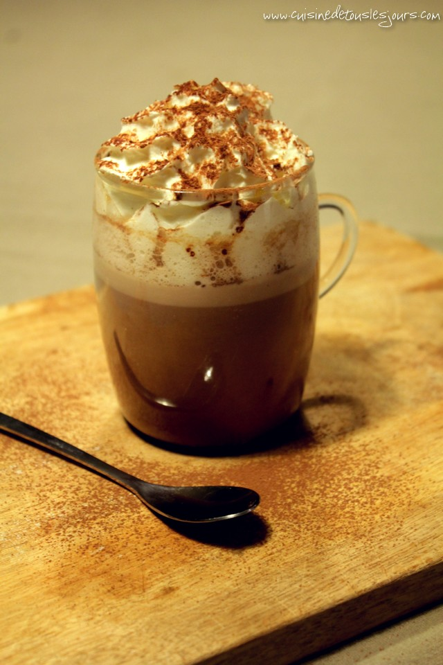 Pumpkin & Spicy Hot Chocolate - www.cuisinedetouslesjours.com