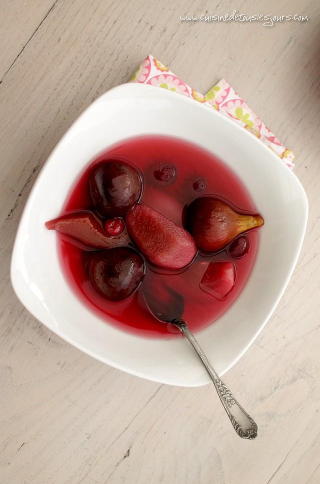 Salade de fruits d'automne pochés à l'hibiscus - ©www.cuisinedetouslesjours.com