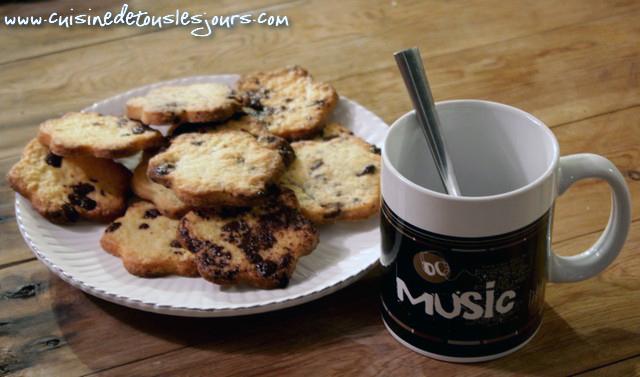 ©www.cuisinedetouslesjours.com - Sablés aux brisures de chocolat