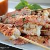 Brochettes de queues de langoustines - ©www.cuisinedetouslesjours.com