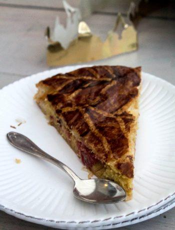 Galette des rois à la crème d'amande aux cramberries - ©www.cuisinedetouslesjours.com