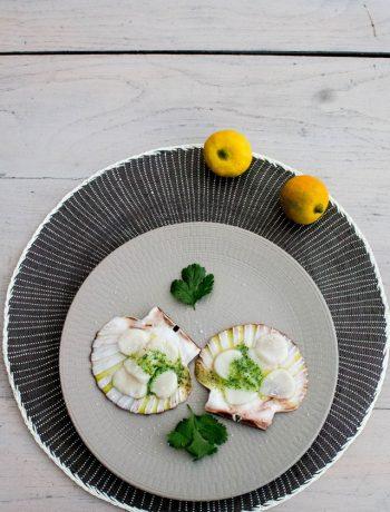 Pétales de noix de saint Jacques au beurre de bergamote et coriandre - ©www.cuisinedetouslesjours.com