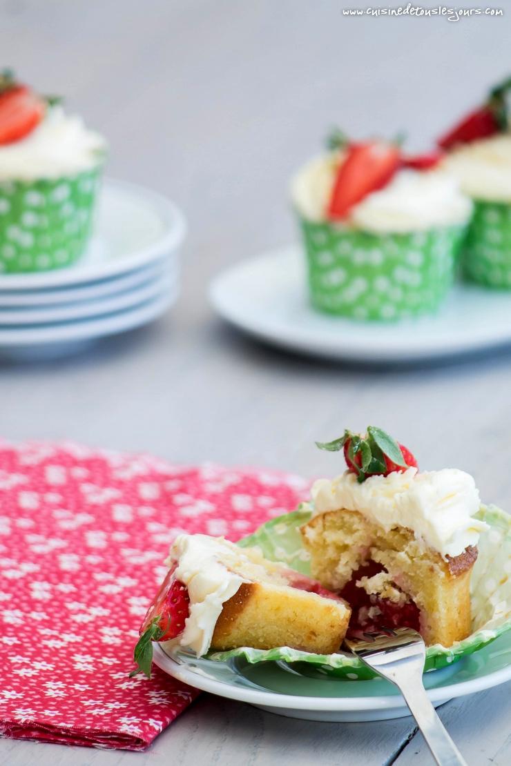 Cupcakes aux fraises et citron - ©www.cuisinedetouslesjours.com