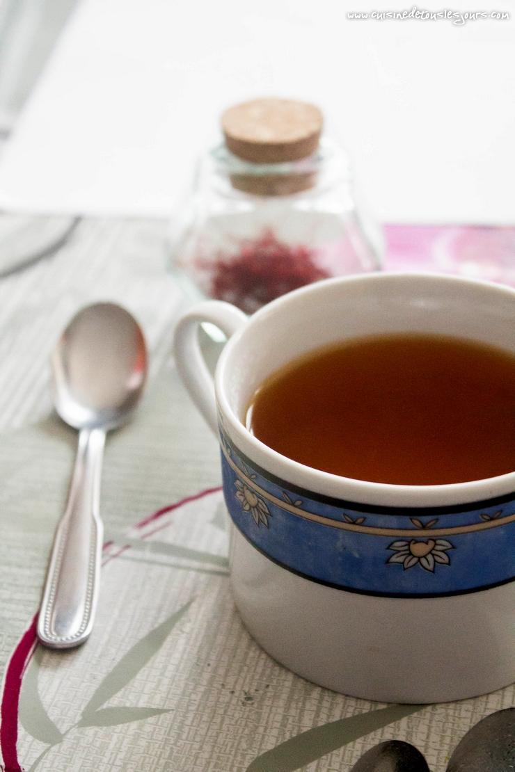 Recette de thé au safran de Marie-Jeanne Gasnier, Safran des Abords de l'Etang - Marcillé Robert (35) – ©www.cuisinedetouslesjours.com