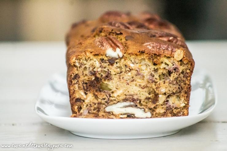 Banana bread aux flocons d'avoine, noix de pécan et pépites de chocolat -©www.cuisinedetouslesjours.com