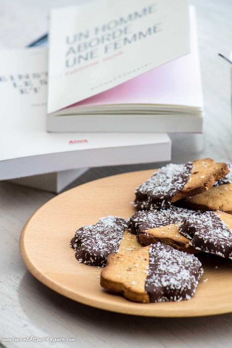 Biscuits à la noix de coco et au blé noir - ©www.cuisinedetouslesjours.com