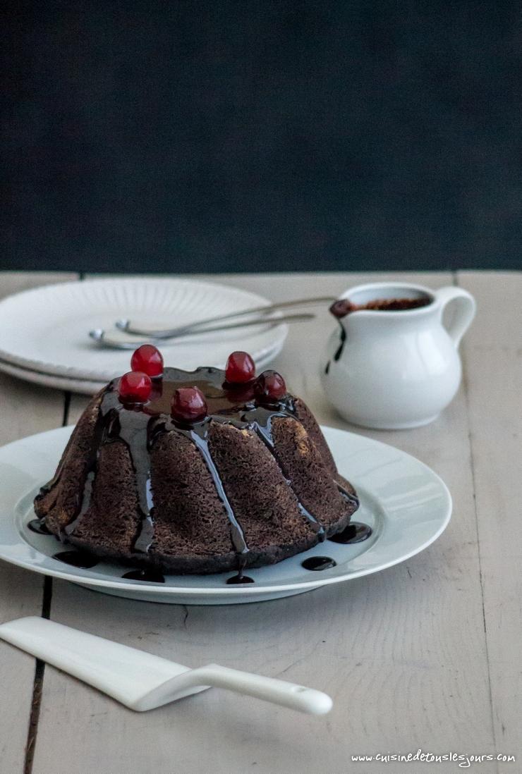 Gâteau de sarrasin aux épices, fruits secs et chocolat noir - ©www.cuisinedetouslesjours.com