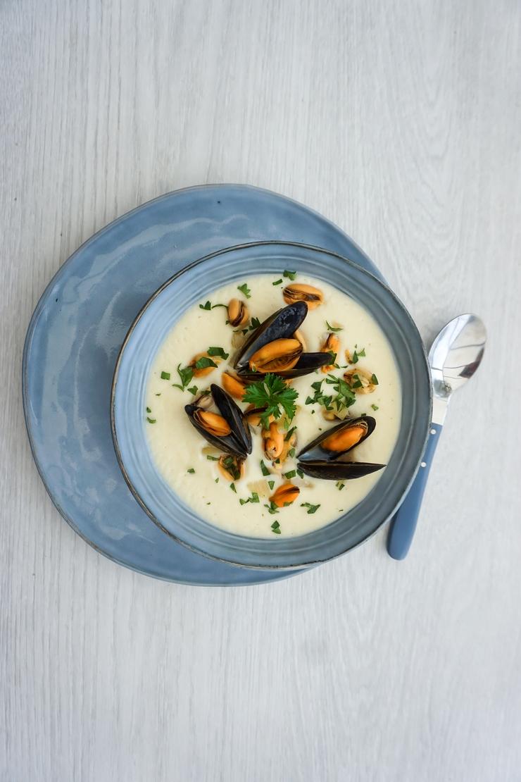 Velouté de céleri et moules à la marinière - ©www.cuisinedetouslesjours.com