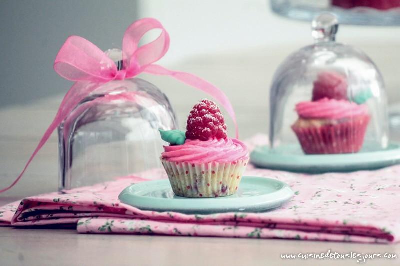 Mini cupcakes à la framboise - ©www.cuisinedetouslesjours.com