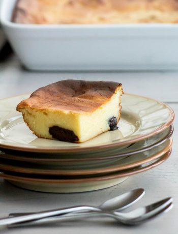 Far aux pommes de terre et pruneaux - ©www.cuisinedetouslesjours.com